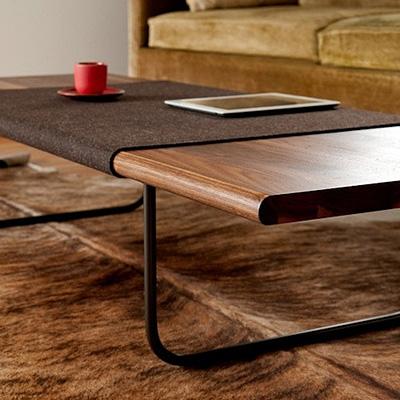 tables basses poufs. Black Bedroom Furniture Sets. Home Design Ideas