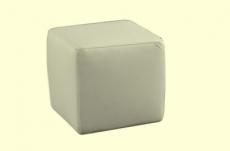 un pouf carré en cuir, écru