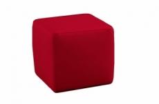 un pouf carré en cuir, rouge