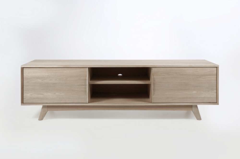 Meuble tv design scandinave en bois massif finition ch ne for Table de television en bois